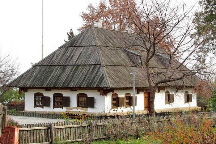 2.  Дом-музей писателя  Котляревского (700x466, 428Kb)