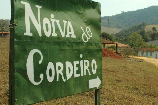женская коммуна в бразилии Noiva do Cordeiro 4 (600x400, 169Kb)