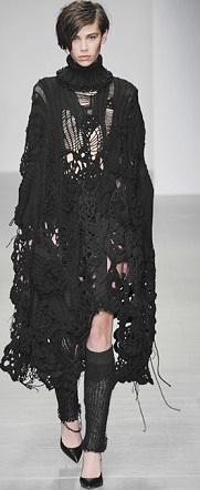 sister-by-sibling-2014-2015-fall-autumn-winter-womens-runway-london-fashion-week-denim-jeans-ruffles-knit-crochet-turtleneck-frayed-palazzo-pants-boho-gothic-07xа (181x442, 76Kb)