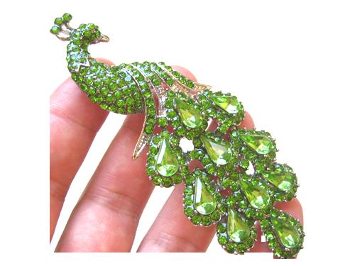A-splendid-Peridot-Brooch1 (500x375, 222Kb)