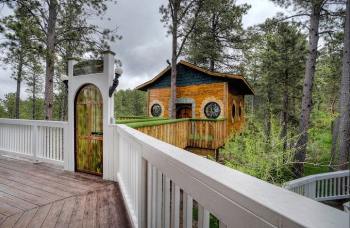 ����� �� ������ Hobbit treehouse 2 (700x455, 277Kb)