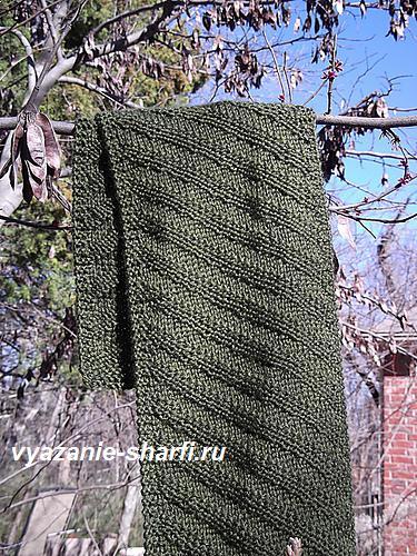 mugskoj-vyazanij-sharf-spicami-v-diagonalnuju-polosu (375x500, 320Kb)