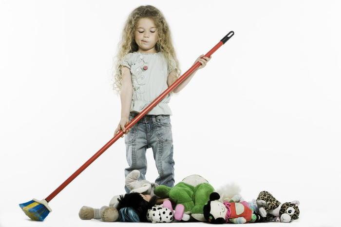 обязанности ребенка по дому/1444240759_domashnie_obyazanosti_rebenka (700x466, 27Kb)