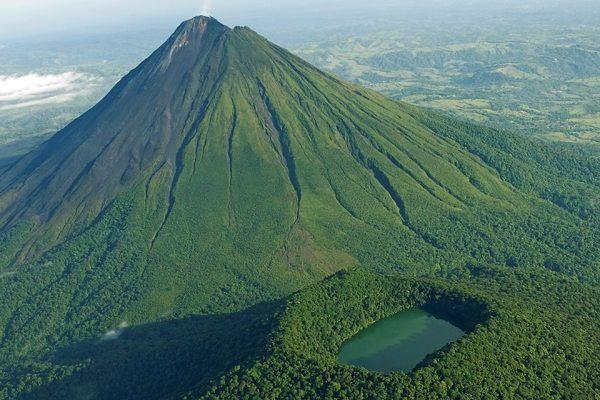 вулкан ареналь в коста рике 4 (600x400, 256Kb)