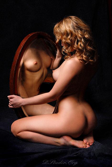 1. Зеркало не обманет (469x700, 330Kb)