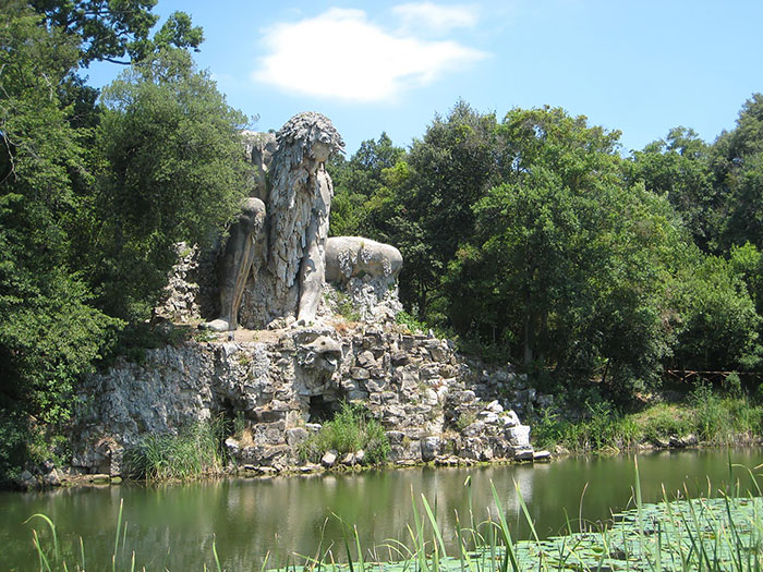 статуя бога аппенино италия 3 (700x525, 422Kb)