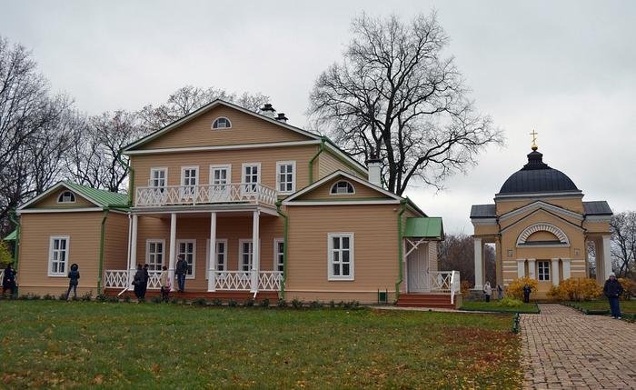 Дом Лермонтова (Тарханы). Здесь родился Михаил Лермонтов. (700x429, 413Kb)