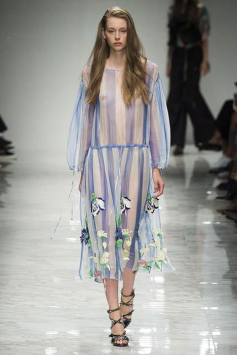 125633468 101515 1902 5 Самые откровенные платья недель моды в 2015 году