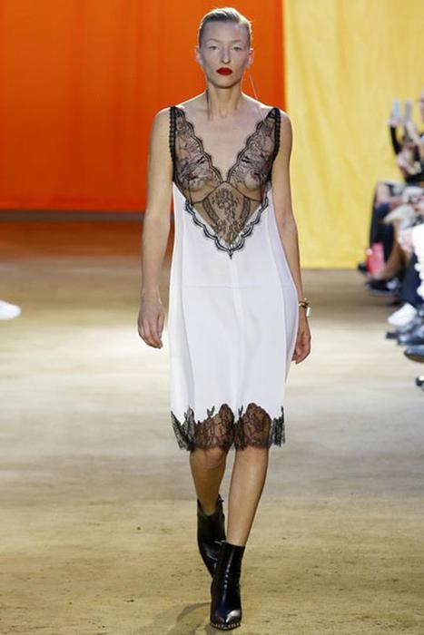 125633476 101515 1902 7 Самые откровенные платья недель моды в 2015 году