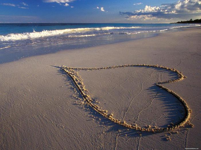 ______14__heart_in_the_sand_on_st_valentines_day_on_february_14_20150525_1624260117 (700x525, 66Kb)