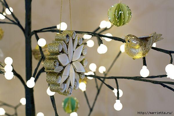 Рождественские звезды из декоративной металлизированной бумаги (7) (600x400, 117Kb)
