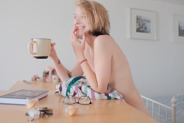 """Помощница главного редактора """"Эха"""" Леся Рябцева удивила интернет своей эротикой"""