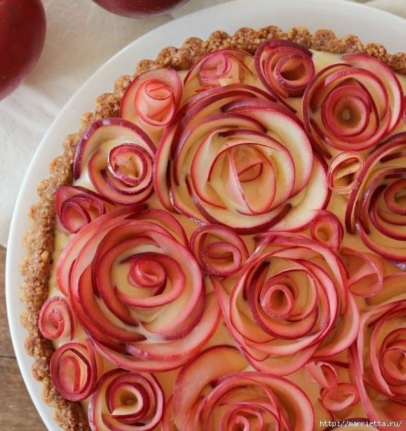 Красивый и вкусный пирог. Яблочные розы в ореховой корзине (3) (591x628, 264Kb)