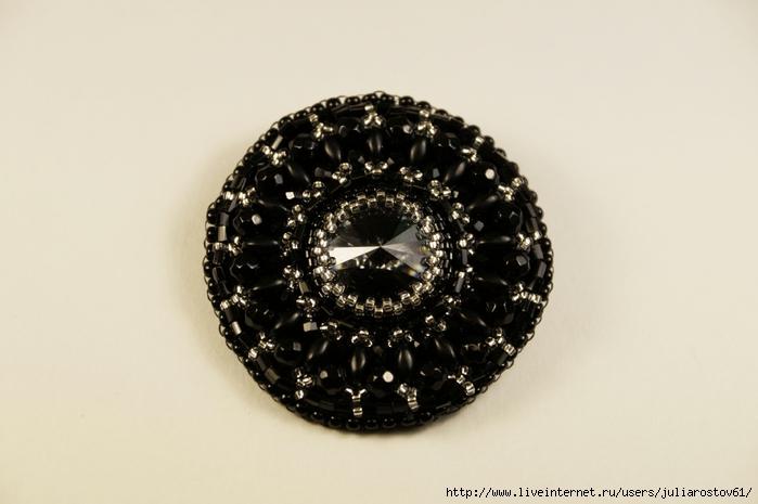 брошь черно-серебристая (700x465, 181Kb)