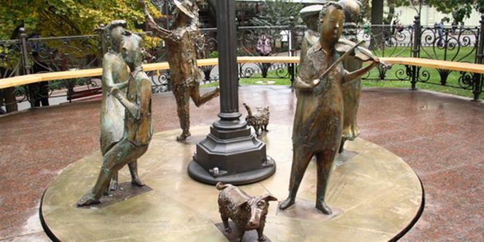 Скульптура Одесское время1а (700x350, 285Kb)