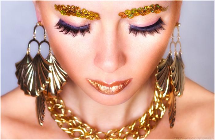 Golden Necklace/1445902748_6962818359_00d08f3e37_o (700x455, 316Kb)
