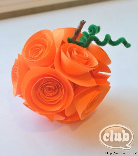 Декоративная бумажная тыковка в спиральных розочках (8) (532x600, 105Kb)