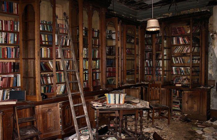 фото заброшенных зданий 1 (700x454, 310Kb)