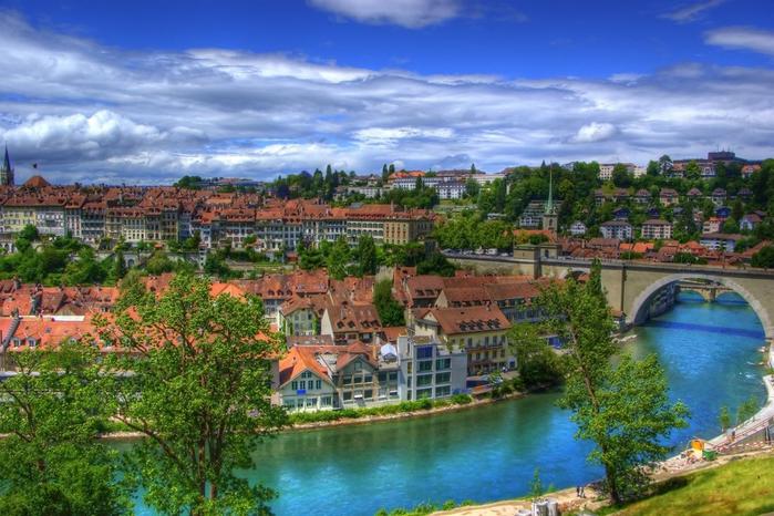 1. Берн (Швейцария). (700x466, 420Kb)
