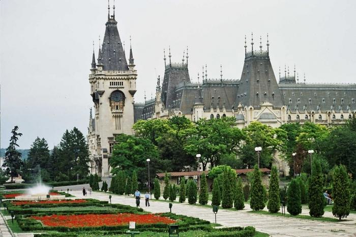 12. Кишинев. (Молдавия). (700x466, 371Kb)