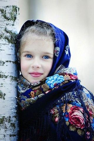 Как представляют себе воспитанных детей в России (320x481, 50Kb)