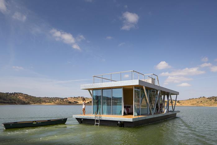 уютный дом на воде 2 (700x466, 313Kb)