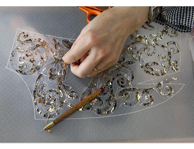 Вышивка на сетке бисером
