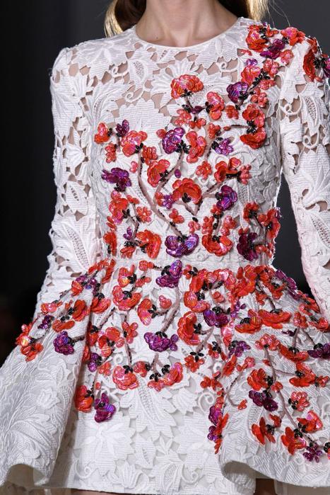Вышивка для отделки платья
