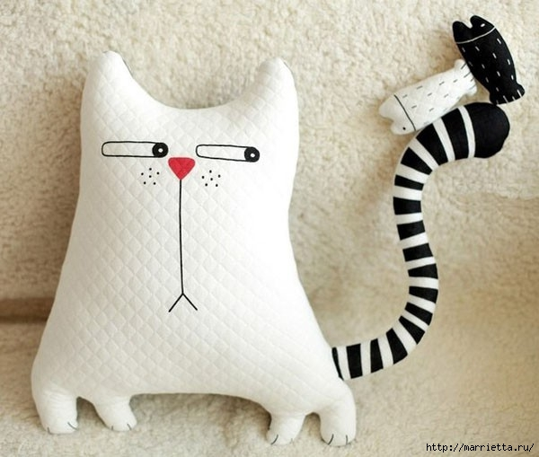 Смешная подушка КОШКА. Шьем сами (9) (600x509, 142Kb)