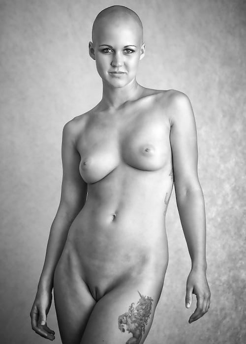 eroticheskoe-foto-lisih-devushek