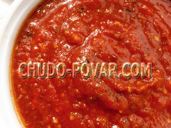 adzhika-iz-pomidorov-i-chesnoka-bez-varki-na-zimu-recept-s-foto (600x450, 368Kb)