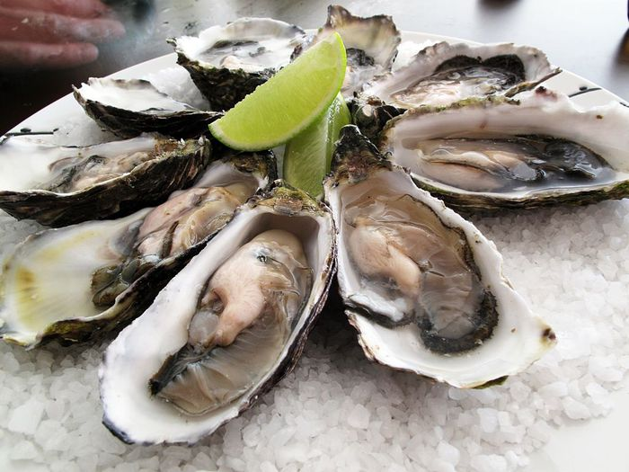 5852519_Pacific_oysters (700x525, 71Kb)