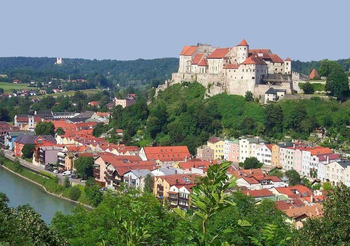 Burg_zu_Burghausen_1024x768 (700x492, 139Kb)