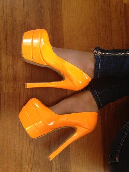 Яркие туфли 2013