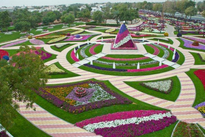 парк цветов  Al Ain Paradise фото 1 (700x468, 112Kb)