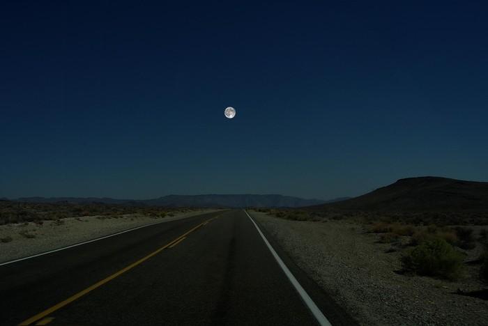moon (700x468, 36Kb)