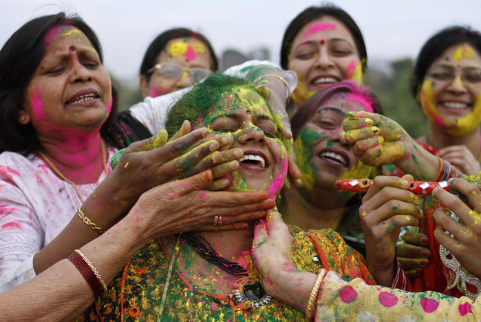 праздник холи в индии (700x469, 142Kb)