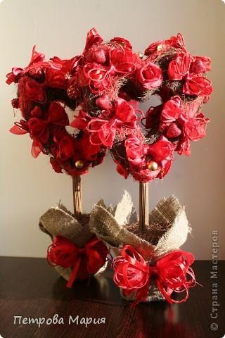 Деревья любви ко дню Святого Валентина Валентинов день.
