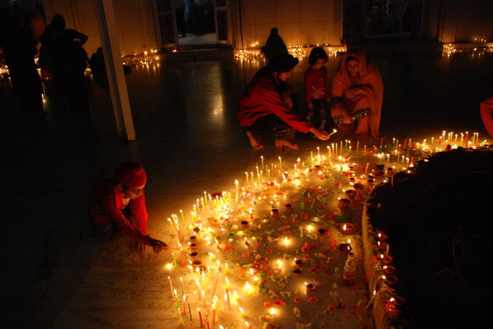 Diwali-1 (700x468, 140Kb)