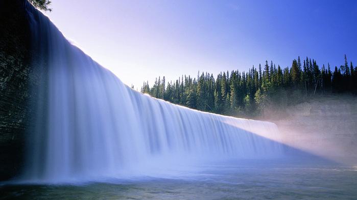+ Широкий водопад (700x393, 92Kb)