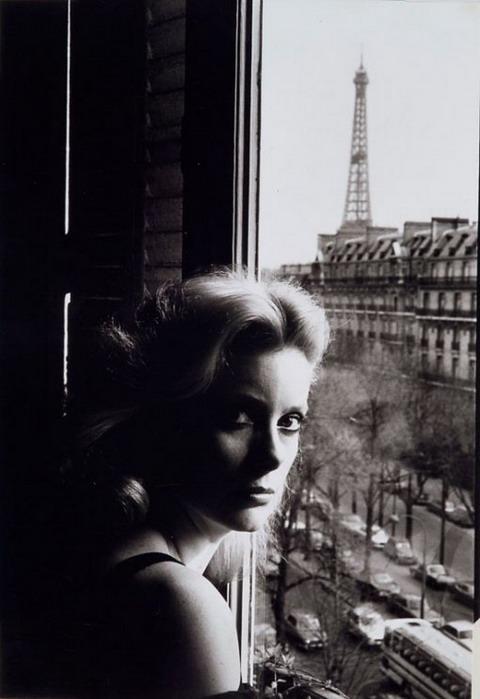 01-Helmut Newton, Catherine Deneuve, Paris, 1976 (480x699, 64Kb)