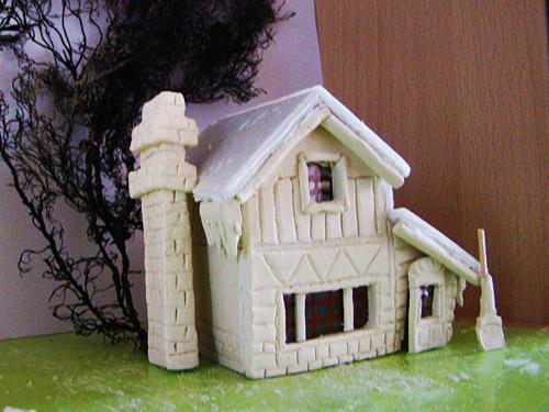 Как сделать поделку домик из пенопласта 31