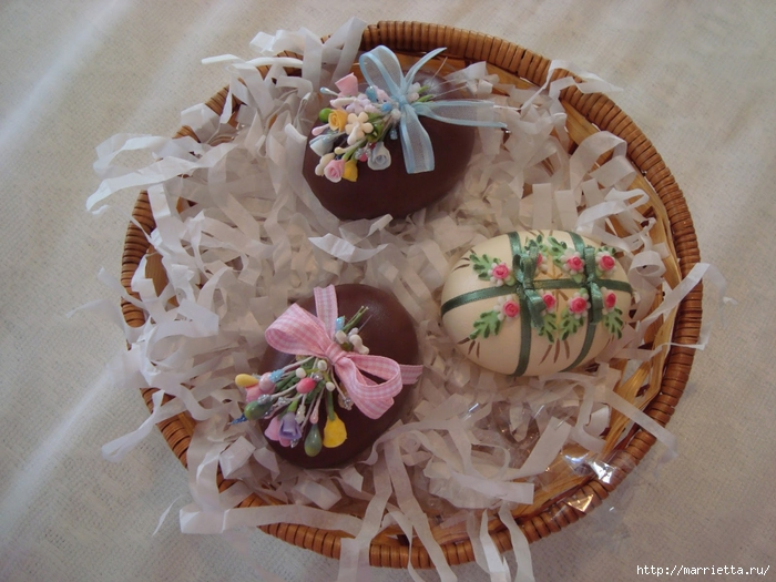 украшение пасхальных яиц сахарной мастикой (12) (700x525, 285Kb)