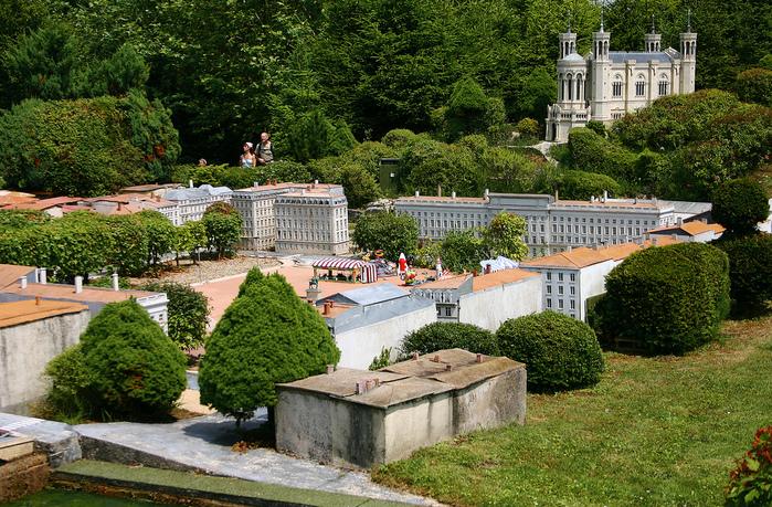 франция парк миниатюр фото 2 (699x459, 353Kb)