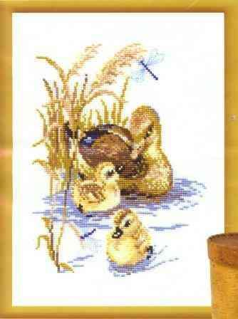"""Утка с утятами """" от Риолис. В"""