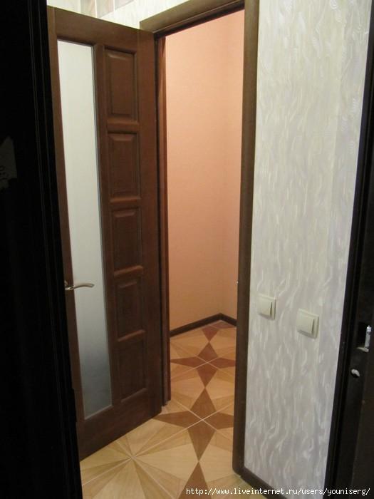 вход в квартиру, дверь гардеробной