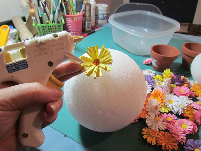 Как сделать цветы в горшке своими руками из бисера