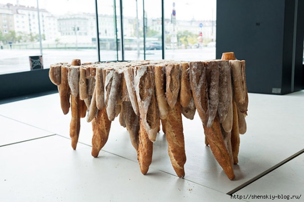 Table-Created-Entirely-Of-Dried-Out-French-Bread-620x412 (620x412, 139Kb)
