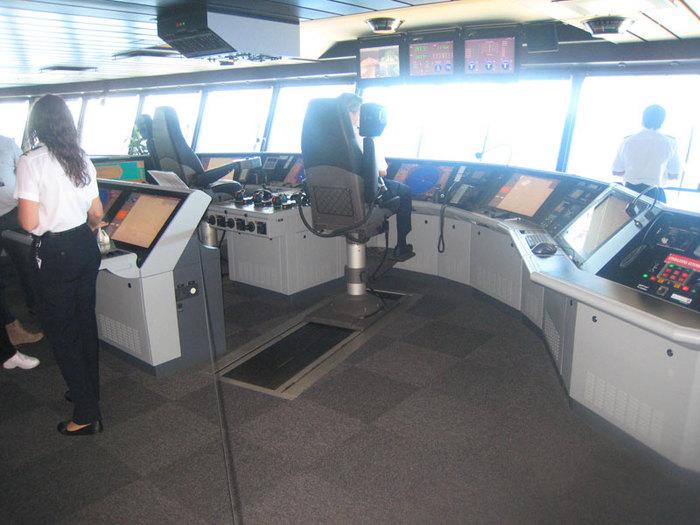 Капитанская палуба (700x525, 86Kb)