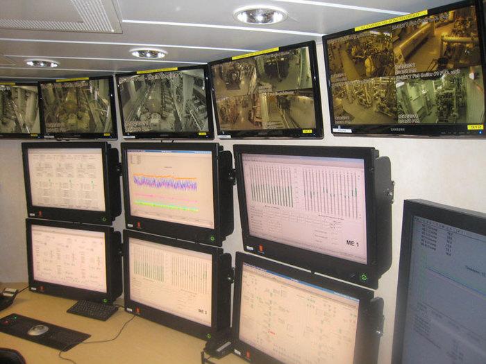 Машинное отделение1 (700x525, 100Kb)